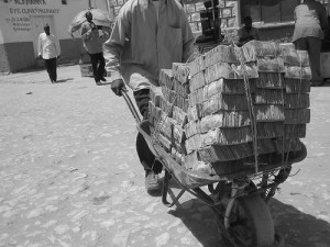 Moving money in Somaliland. CC Flickr photo by guuleed.
