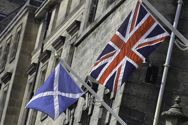 What would have been the flag of independent Scotland, alongside the British flag (Photo: Lawrence Lew / Flickr)