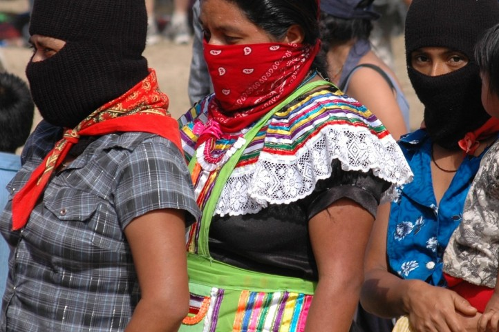 women-fighters-zapatistas-kurds