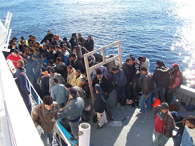 Migrants arriving on Lampedusa in the past. (Vito Manzari / Flickr Commons)