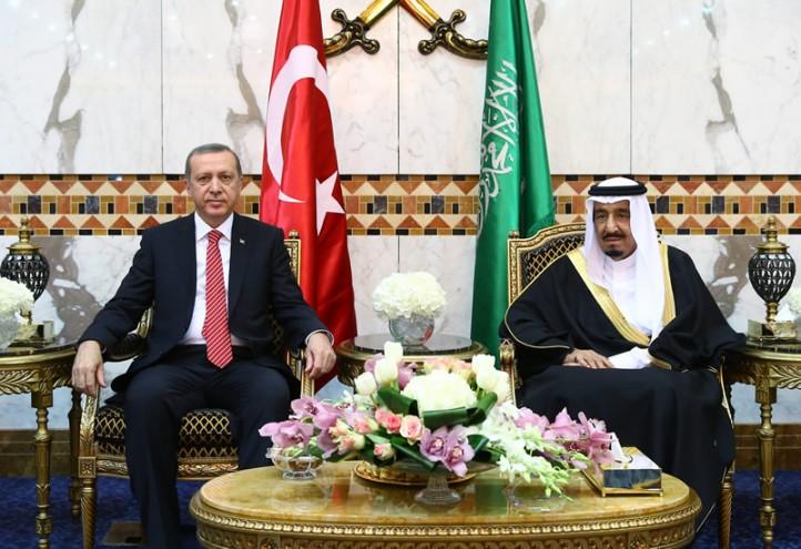 Turkish President Recep Tayyip Erdogan and Saudi King Salman meet in Riyadh to discuss Syria. (Photo: NRT TV)