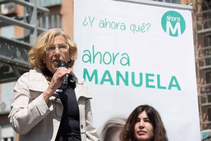 Manuela Carmena addresses a crowd in Madrid. (Source: Myriam Navas / Flickr)