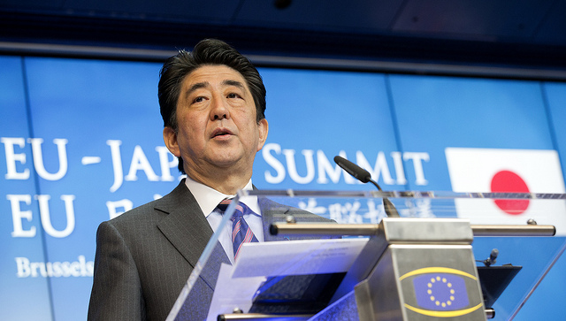 Japan Prime Minister Shinzo Abe has been taking constructive measures to ease tensions with China since late 2014. (Photo: Flickr Commons)