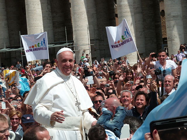 The fearless that Pope Francis displayed in his papal encyclical letter on global warming flies in the face of cynicism that many experience about institutions. (Photo: Wikipedia)