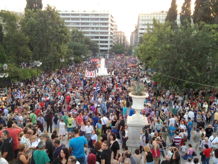 "Syntagma Square fills with people supporting the ""No"" vote ahead of the July 5 referendum on austerity. (Photo: Kia Mistilis)"