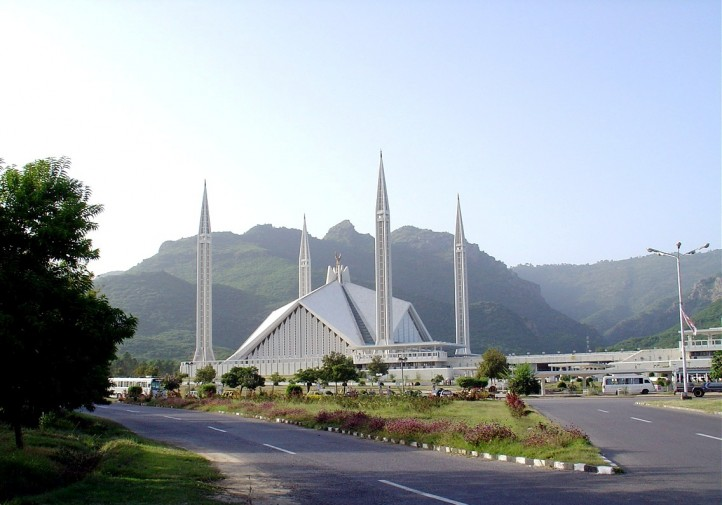 When Saudi Arabia funds Salafist mosques and schools, mainstream Muslims can become susceptible to jihadism. Pictured: Saudi-funded mosque in Pakistan. (Photo: Wikipedia)