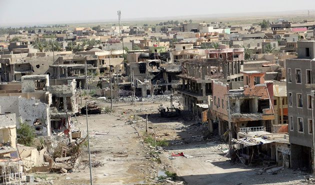 The Iraqi army was only able to recapture Ramadi with the help of heavy American bombing, leaving the city became a barren landscape. (Photo: Media World Bulletin)