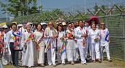 women-cross-dmz-peace
