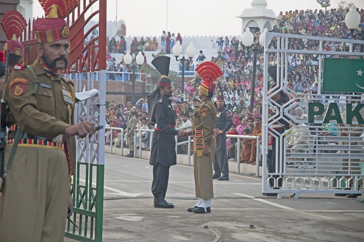 india-pakistan-border-kashmir-nuclear-standoff