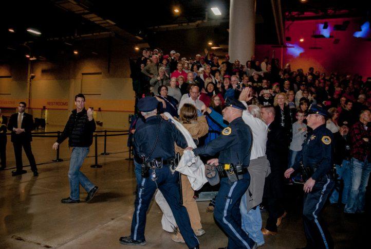 trump-protest-police