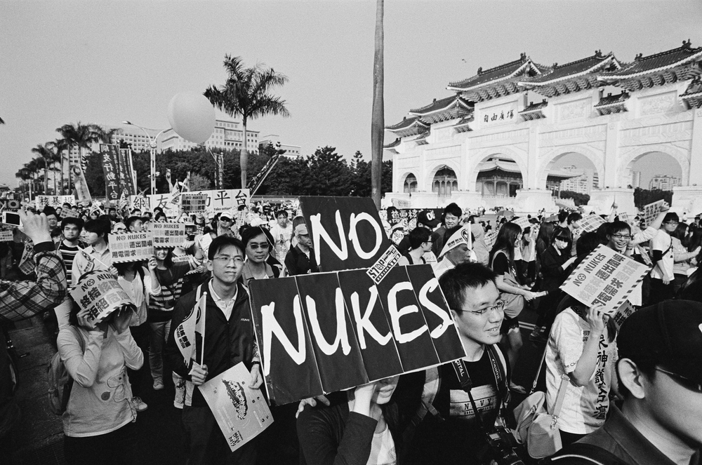 anti-nuclear-weapons-movement-nukes