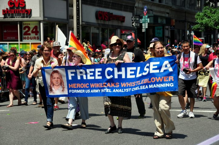 free-chelsea-manning-wikileaks-whistleblowers-espionage-act