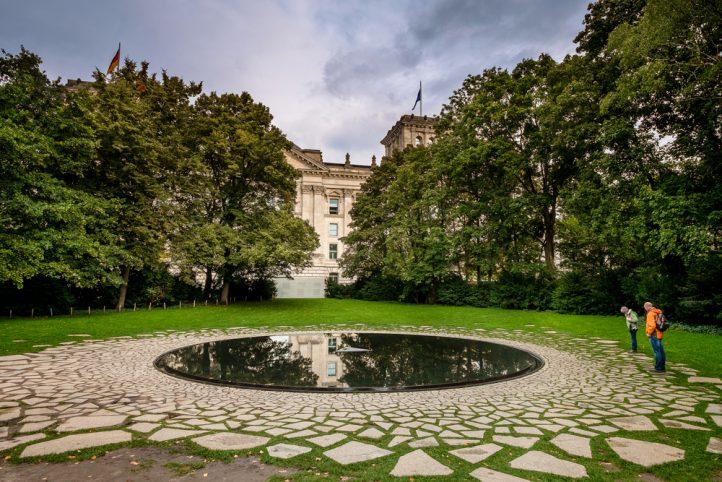 roma-memorial-holocaust-berlin